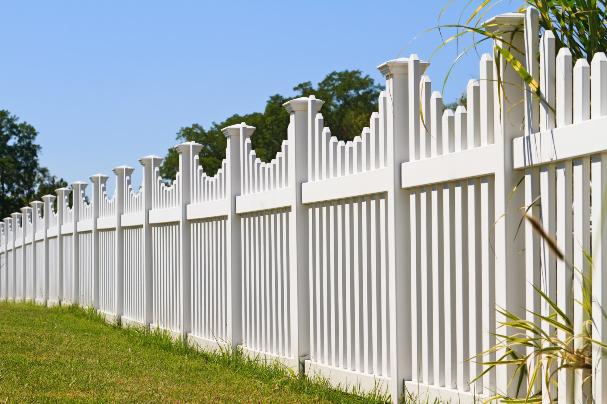 How to Start a Fencing Business: The Complete Guide
